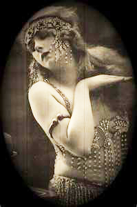 caf926bc1266e33573c44bed4c7fbb9a--belly-dancers-vintage-photography